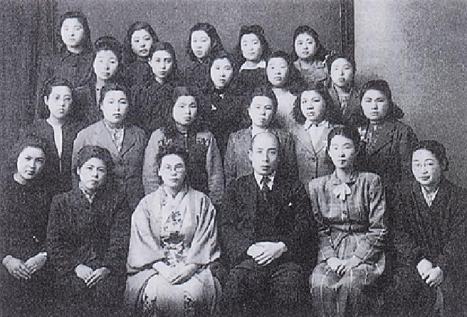 南部服装研究所卒業記念(1949年)