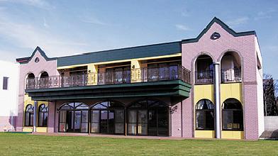 光塩学園女子短期大学附属幼稚園校舎(2006年)